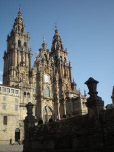 Vorderansicht der Kathedrale von Santiago de Compostela