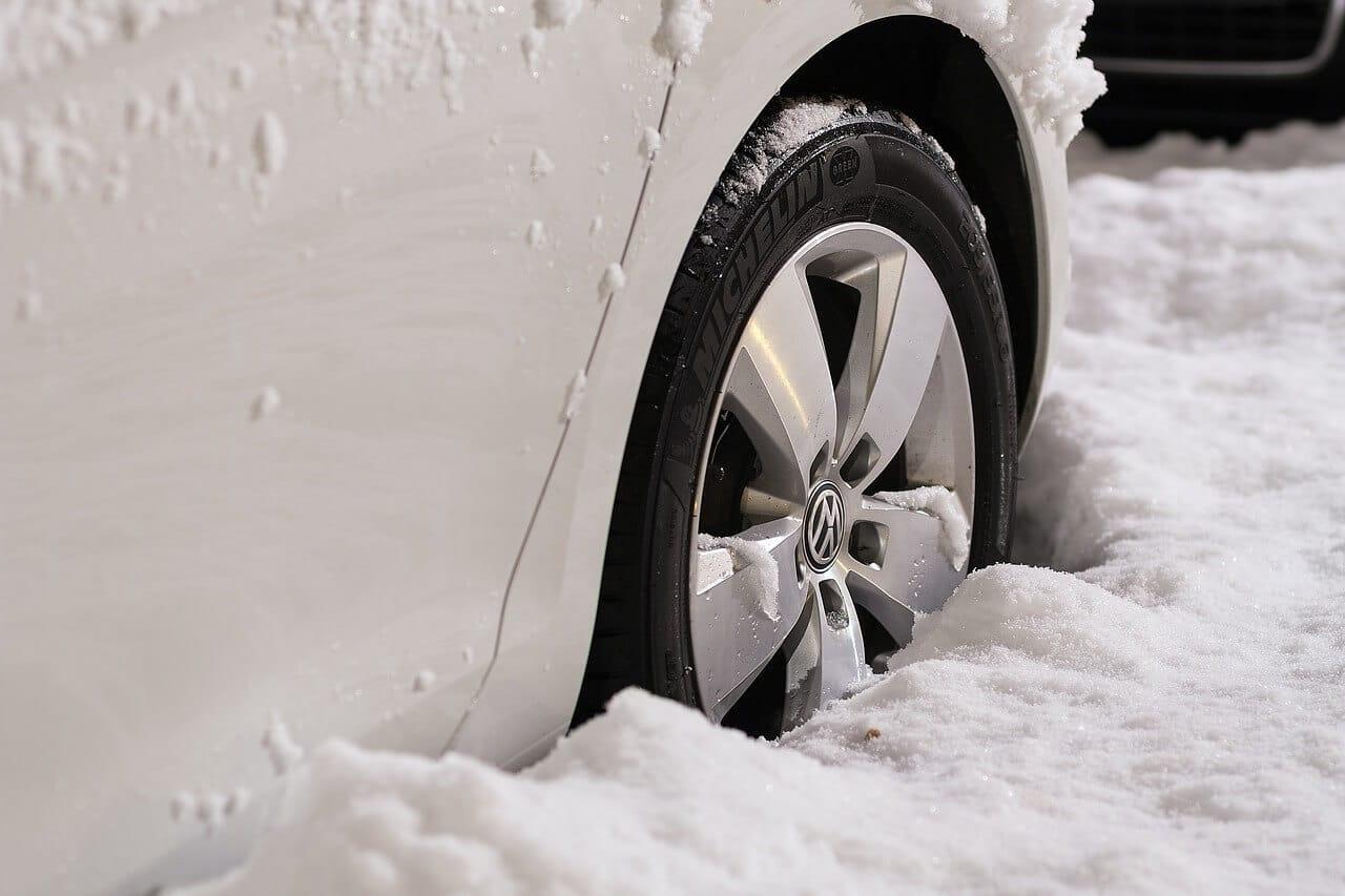 Das 1x1 für eine sichere Autofahrt – der Winter-Check