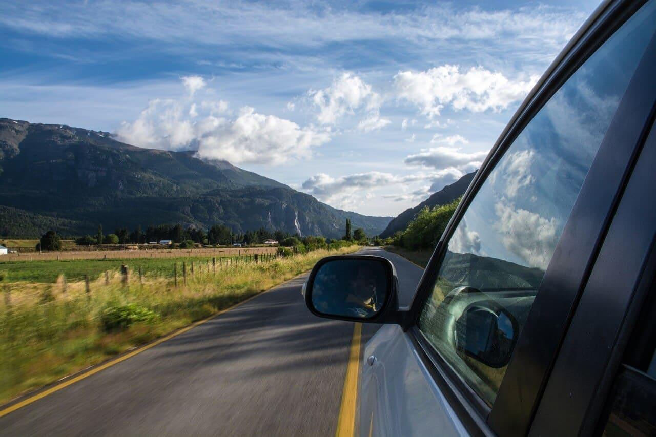 Mit dem Auto sicher im Gebirge fahren