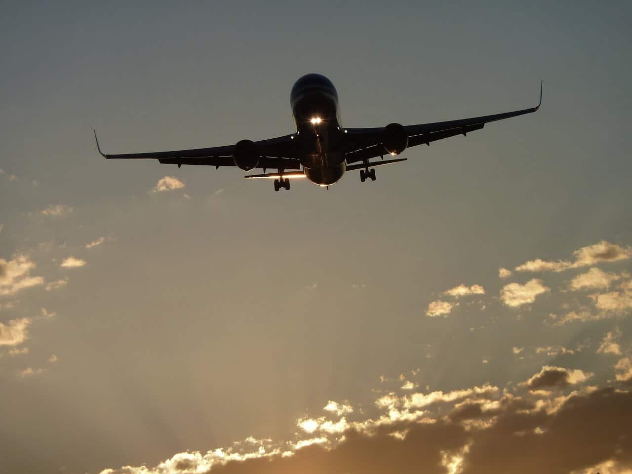 Flugzeug-Knigge: Wie Sie sich über den Wolken richtig verhalten